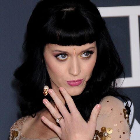 Katy Perry, jeune fille en fleur jusqu'au bout des ongles