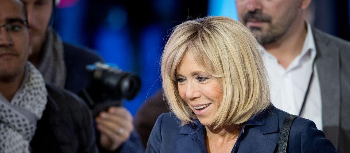 """Emmanuel et Brigitte Macron accusés de """"surjouer"""" leur complicité à deux"""