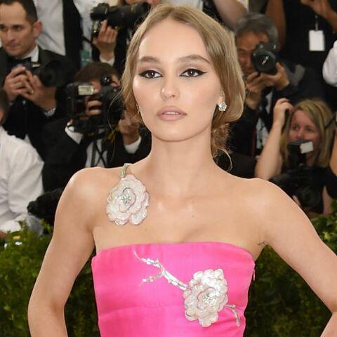 PHOTOS – Lily-Rose Depp: sa transformation physique depuis un an: la jeune fille mal dans sa peau a bien changé