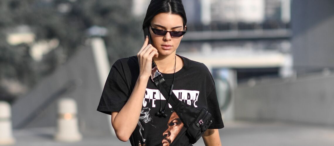 PHOTOS – Kendall Jenner remet le sac banane à la mode