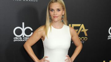 Vidéo – Reese Witherspoon illumine le tapis rouge des Hollywood Film Awards