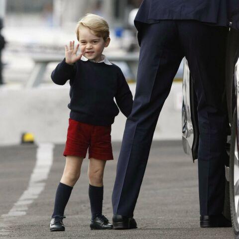 PHOTOS – L'adorable Baby George, tout en sourire, vole encore la vedette à Kate et William