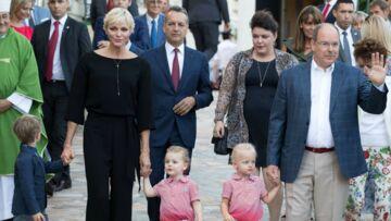 PHOTOS – Pique-nique en famille pour Albert et Charlene de Monaco: Les jumeaux leur volent la vedette