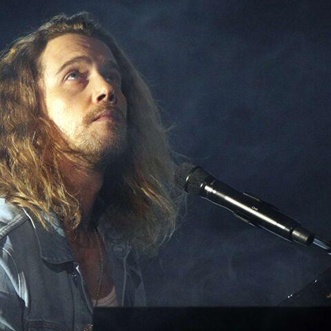 PHOTO – Julien Doré transformé: qu'a-t-il fait à ses cheveux?