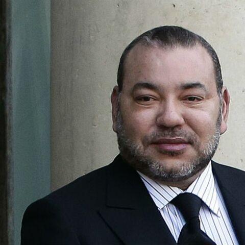 PHOTO – Le roi Mohammed VI du Maroc méconnaissable dans une tenue extravagante