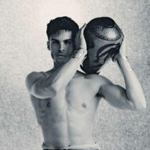 Baptiste Giabiconi, héros grec pour Karl Lagerfeld