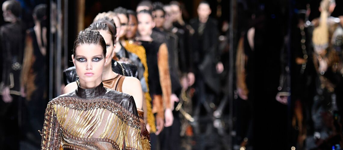 Paris Fashion Week – Maquillage goth et glam chez Balmain