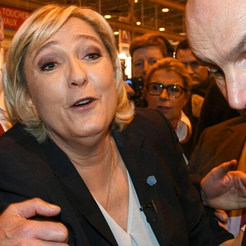 VIDEO – Une altercation éclate au salon de l'agriculture entre le service d'ordre de Marine Le Pen et des exposants