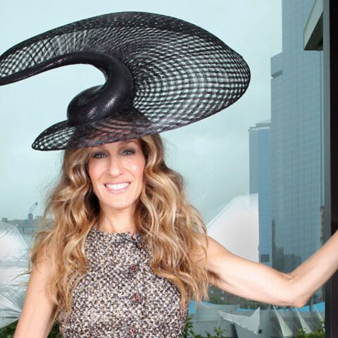 Sarah Jessica Parker, tête à chapeau