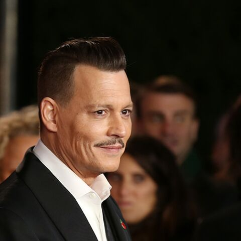 PHOTOS – Johnny Depp a changé de look, le Pirate des Caraïbes tente de retrouver son sex-appeal