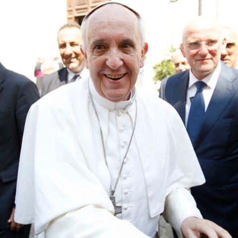 Le pape François ne touche plus à son poste