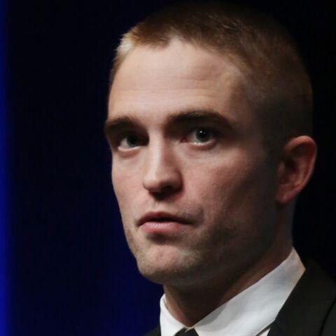 PHOTOS – Robert Pattinson venu en célibataire à Deauville affiche son nouveau look