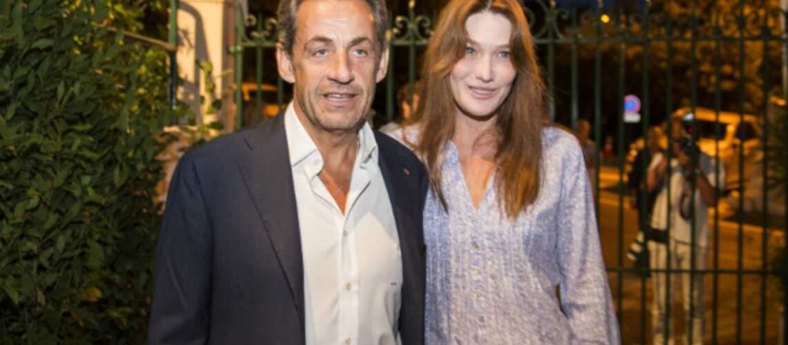 Photos – Carla Bruni et Nicolas Sarkozy viennent applaudir Julien Clerc