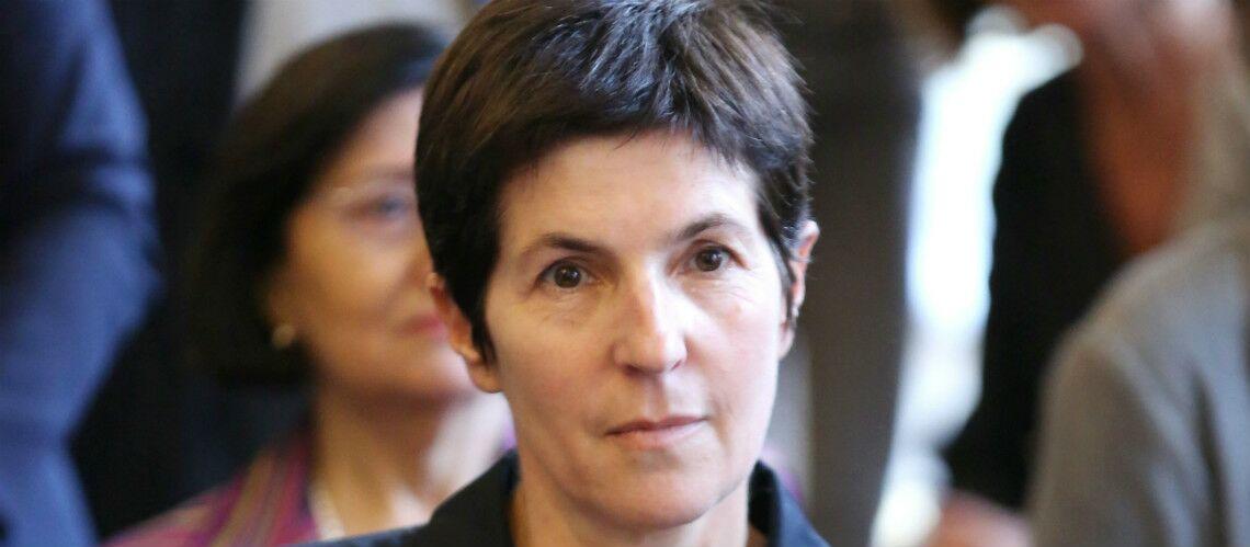 Christine Angot, la nouvelle chroniqueuse de Laurent Ruquier harcelée, elle dépose plainte