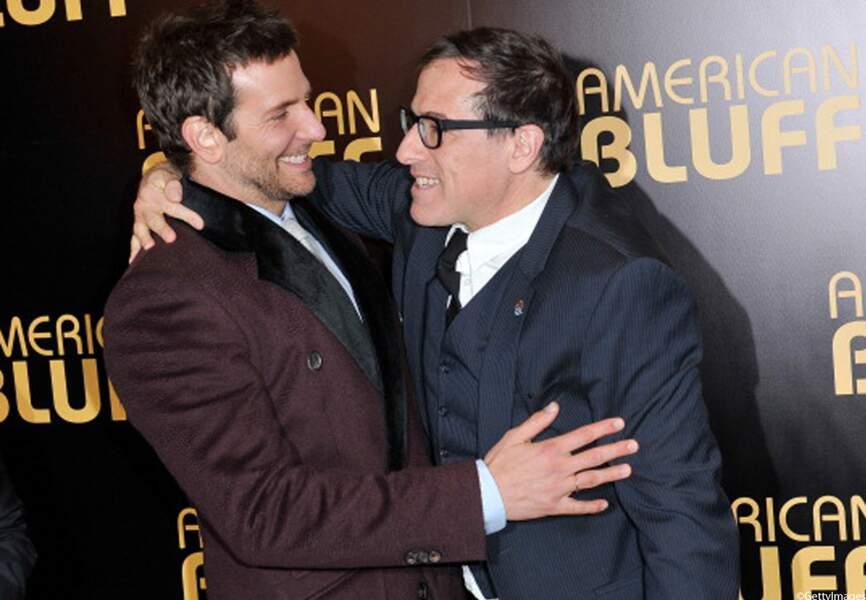 L'acteur Bradley Cooper avec le réalisateur du film American Bluff, David O. Russell à l'Avant-Première, à Paris.
