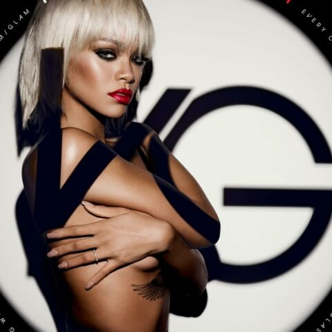 Rihanna blonde platine pour Viva Glam