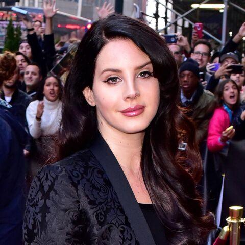Lana Del Rey de nouveau terrorisée par ses fans