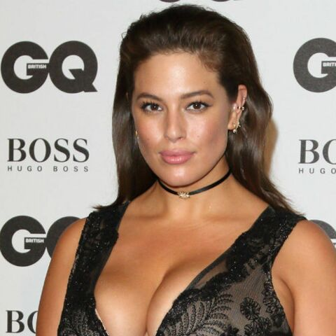 PHOTO – Le top taille XL Ashley Graham s'affiche nue dans sa douche