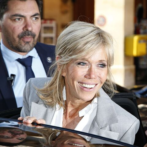 PHOTOS – Brigitte Macron, star de la Fashion Week : Dior elle adore