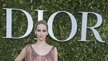 PHOTOS – Jennifer Lawrence en montre trop au défilé Dior