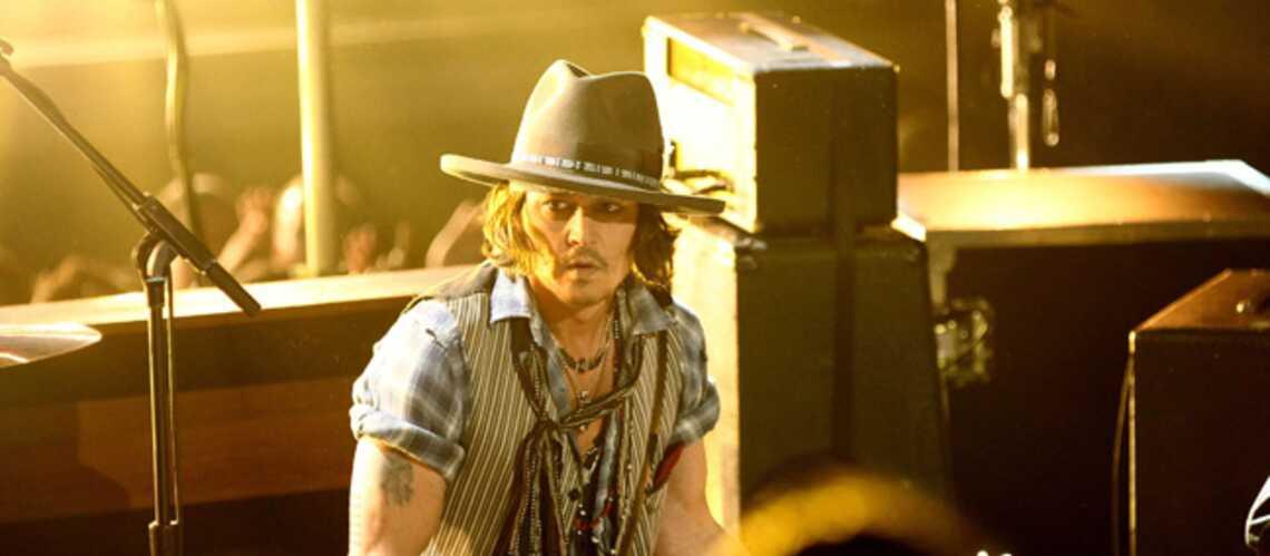 Photos- Johnny Depp donne le la aux MTV movie awards