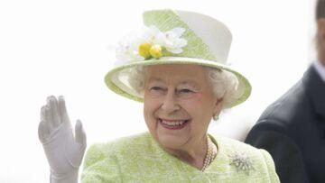 Elisabeth II porte le même vernis à ongles depuis 30 ans