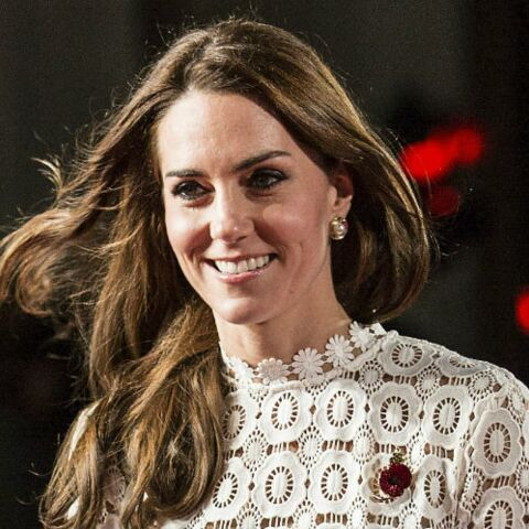 PHOTOS – Kate Middleton : sa robe blanche ultra fendue déjà en rupture de stock