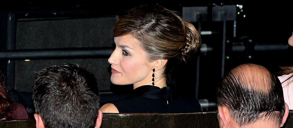 PHOTOS – Letizia d'Espagne devient le sosie d'Angelina Jolie