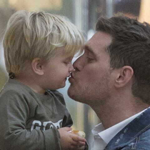 Michael Bublé: Son fils Noah, atteint d'un cancer à 3 ans, «est en voie de rétablissement»