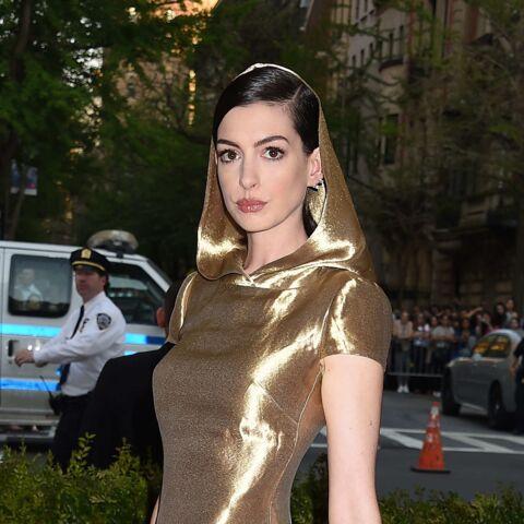 Anne Hathaway ravive la polémique sur l'âge des actrices