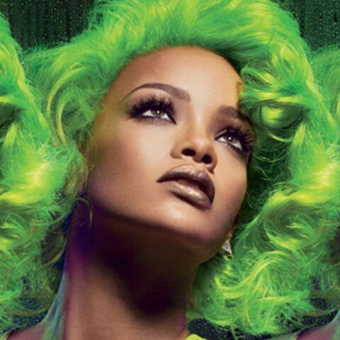 Rihanna, héroïne aux cheveux verts pour M.A.C.