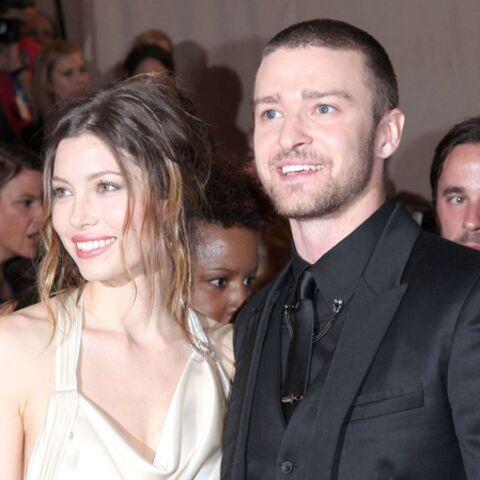 Jessica, coincée entre Biel et Timberlake