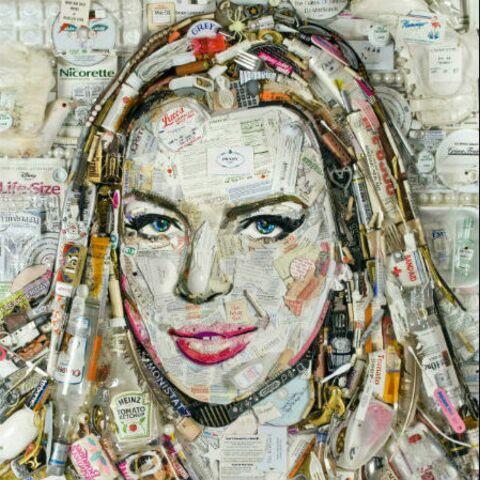 Lindsay Lohan, la tête dans les poubelles
