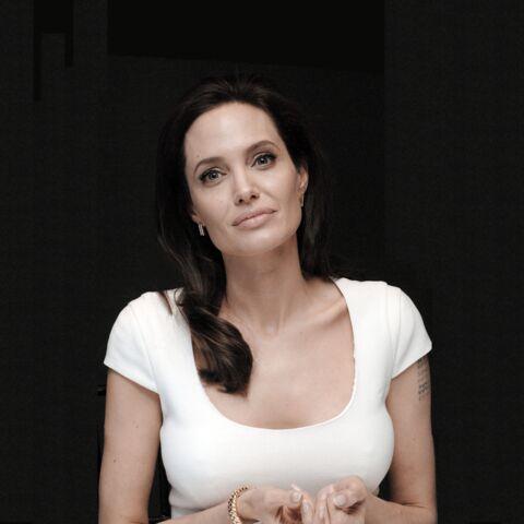 Angelina Jolie: émue face à une fan ayant subie une mastectomie