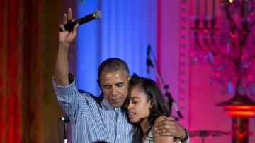 Vidéo – Petite honte et gros câlin pour Barack et Malia Obama