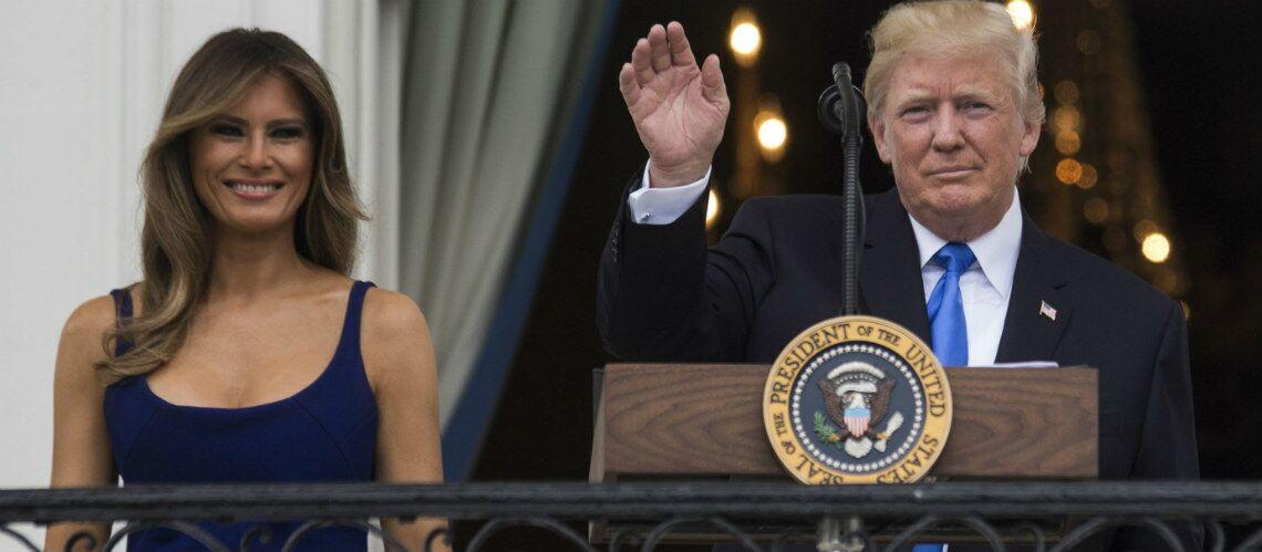 PHOTOS – Melania Trump gonflée à bloc pour la fête nationale avec sa robe bleu USA