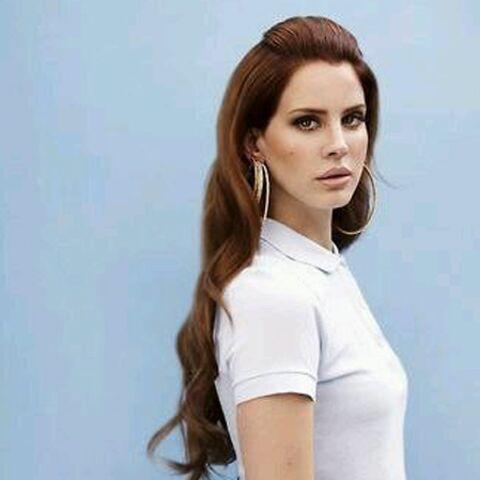 Concert annulé: le ton monte contre Lana Del Rey