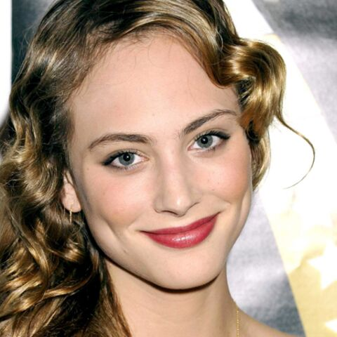 Photos – Les plus beaux make-up de Nora Arnezeder