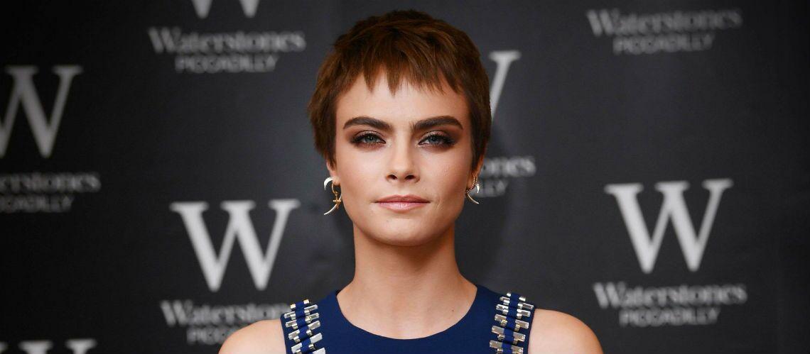 PHOTOS – Cara Delevingne change de coupe de cheveux et passe au brun