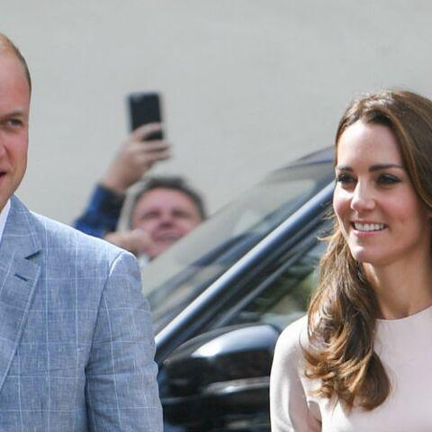 Photos – Le Prince William se décoince dans les Cornouailles