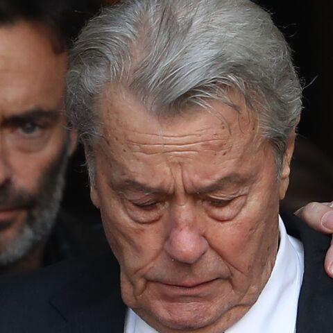 PHOTO – Obsèques de Mireille Darc: Anthony Delon «bouleversé» par son père