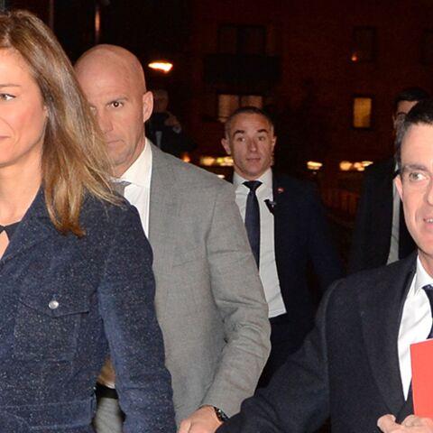 PHOTOS – Anne Gravoin et Manuel Valls: un couple très amoureux et chic pour l'annonce de sa candidature