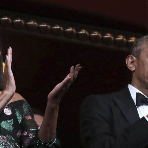 PHOTOS – Michelle Obama, sublime dans une robe à fleurs scintillante