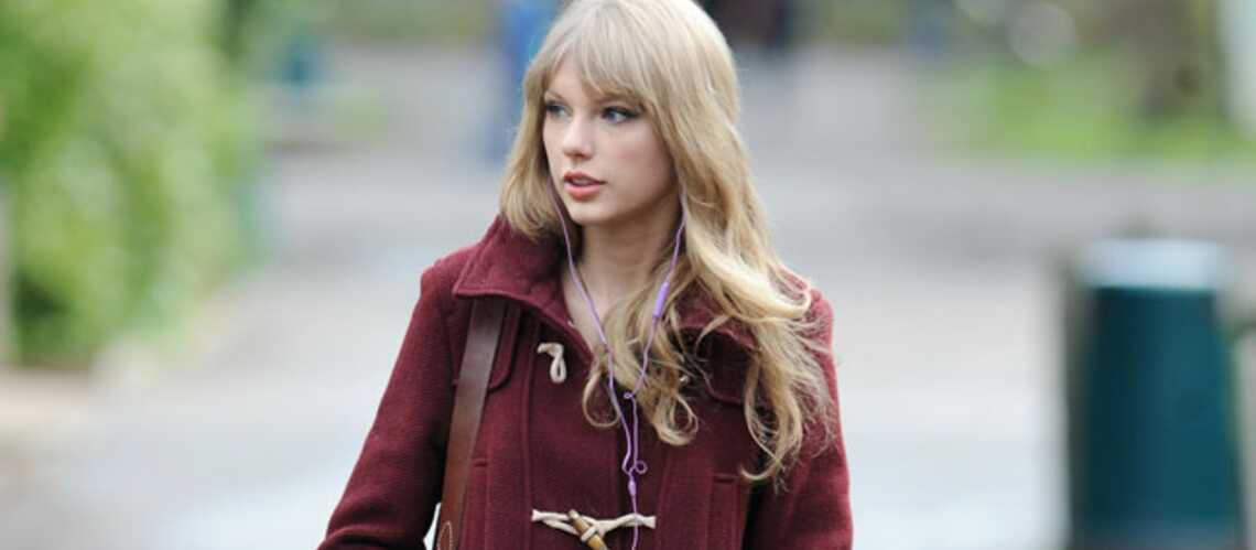 Taylor Swift, Natalie Portman… Toutes en duffle-coat cet hiver
