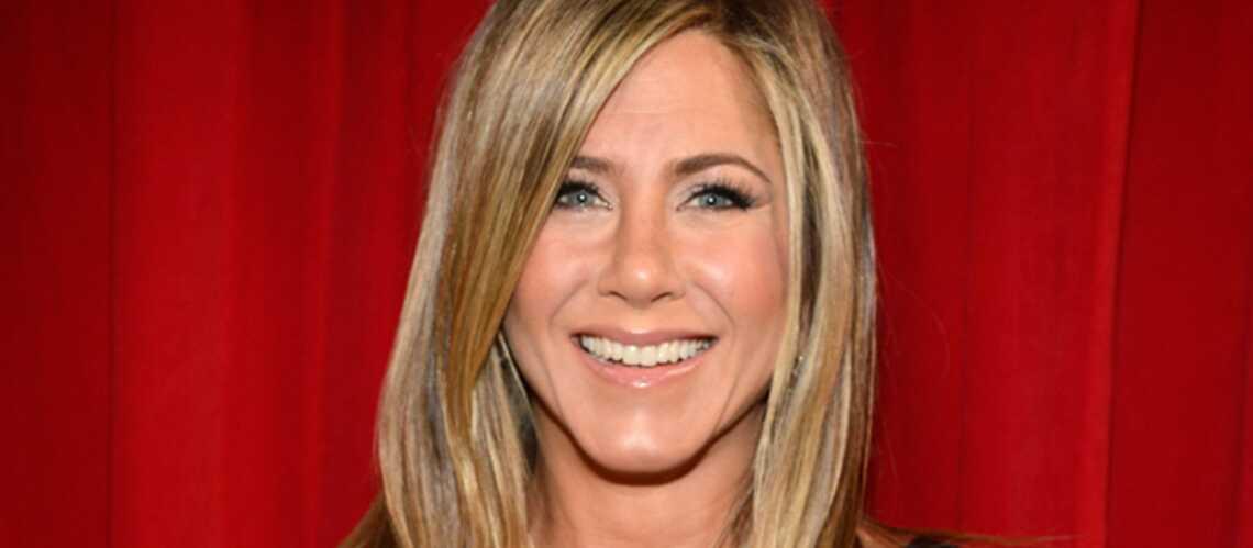 Jennifer Aniston version blonde platine