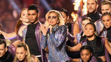 PHOTOS – Lady Gaga: son maquillage en strass et paillettes au Super Bowl