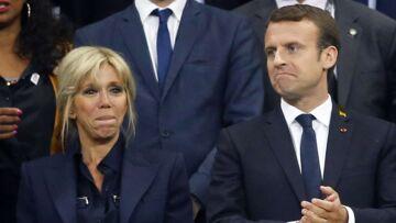 PHOTOS – Brigitte Macron: pourquoi elle accorde ses tenues à celle de son mari Emmanuel Macron