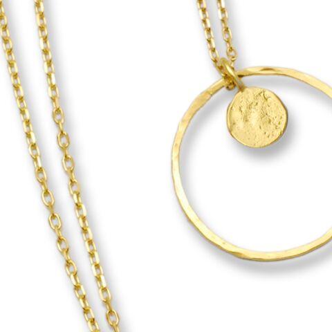 Les bijoux engagés d'Emmanuelle Zysman