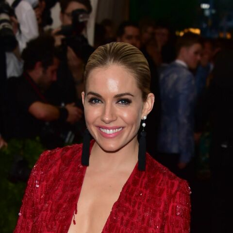 Sienna Miller en 10 beauty looks