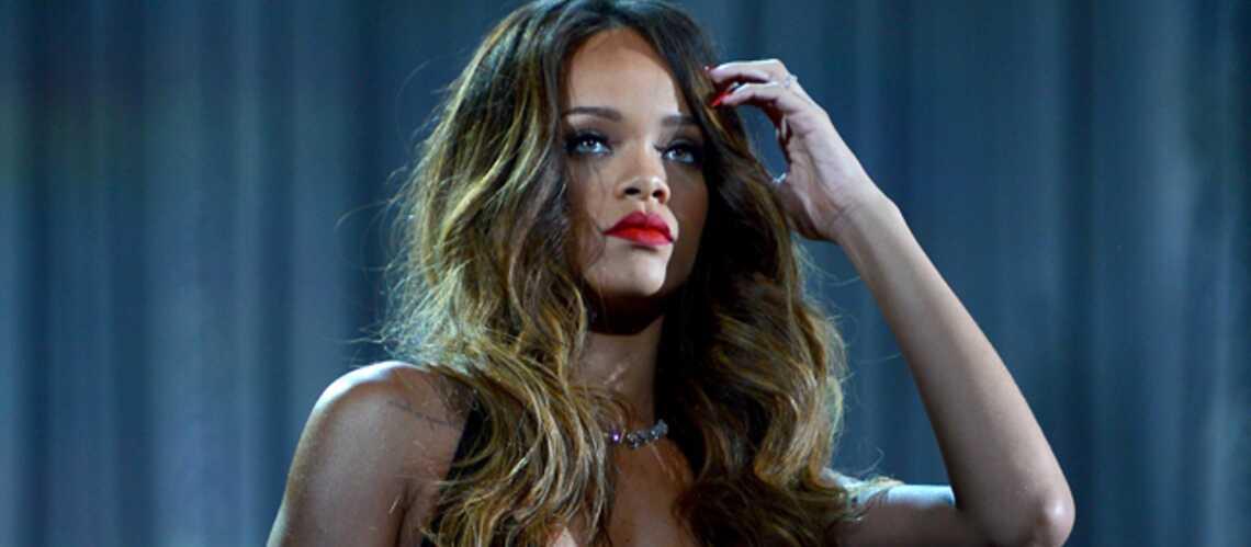 Rihanna: string et cuissardes Prada
